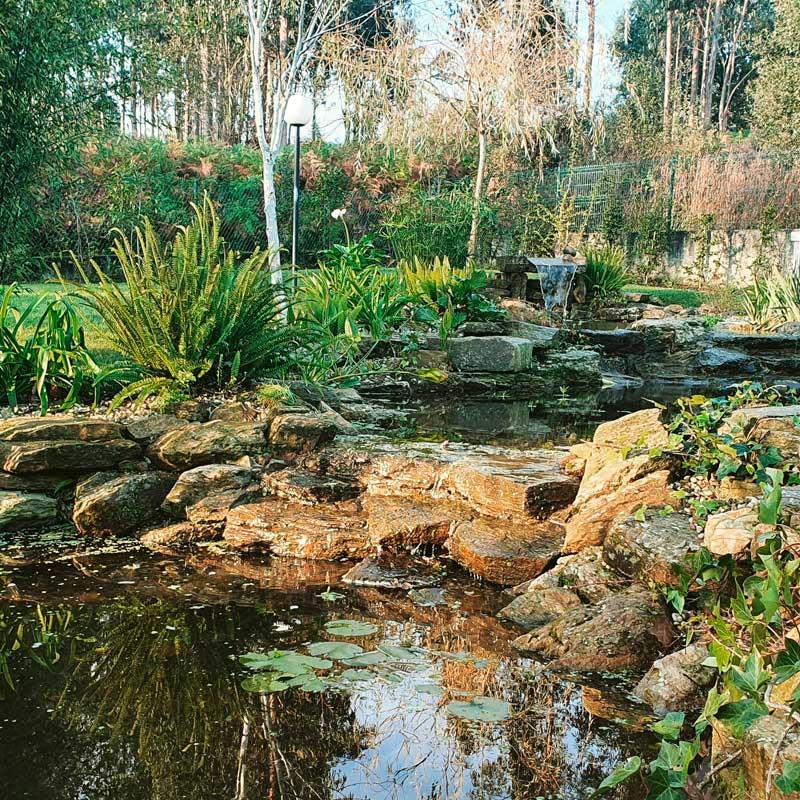 Empresa de jardinería en A Coruña para el diseño de estanques, fuentes, cascadas